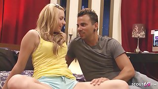 Coy Virgin Girl Seduce in the matter of Rough Defloration Sex by Big Dick